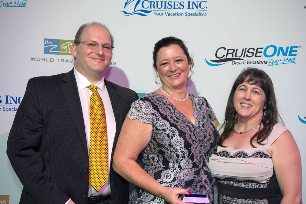 Image CruiseOne - SmithPollin Group Wins Awards at National Conference